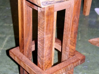 square-bar-stool-or-end-table