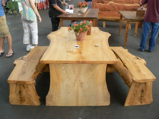 cedar-picnic-table-and-benches